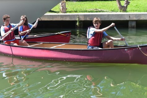 Bay Studies students head out into open waters.