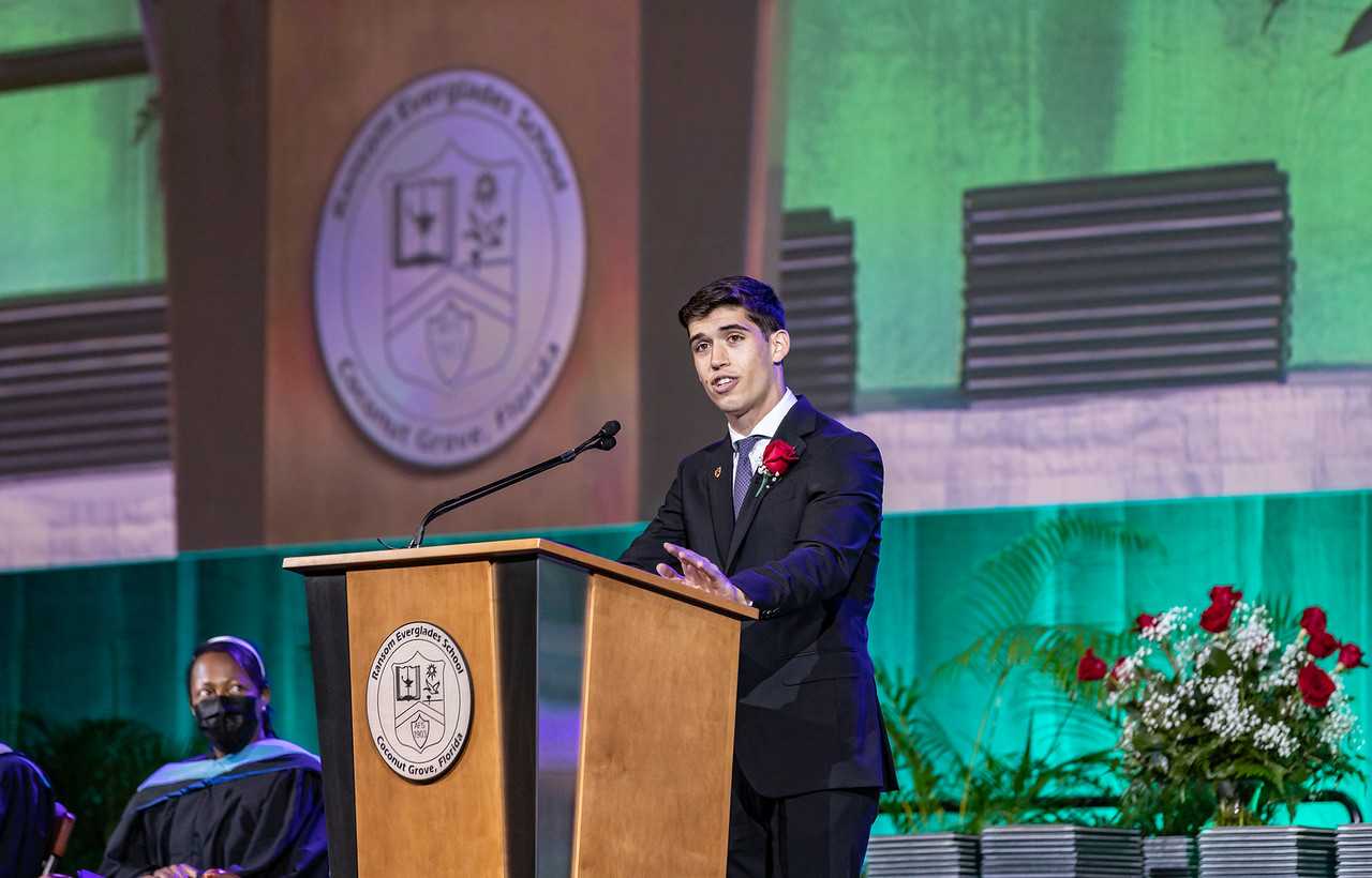 Erik Medina 21 delivers the valedictory address at the 2021 RE Commencement.